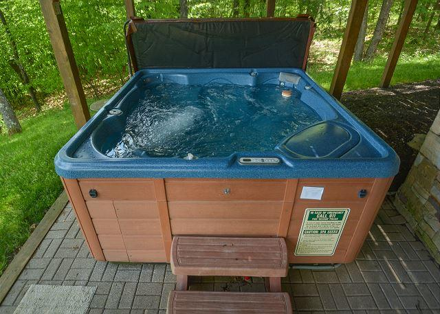 Hot Tub - Premiere 5 Bedroom Deep Creek Home showcases stunning panoramic lake views! - McHenry - rentals
