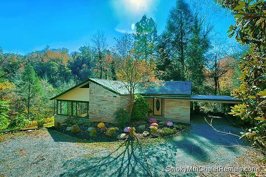 Entry/Parking - JT's Jungle - Gatlinburg - rentals