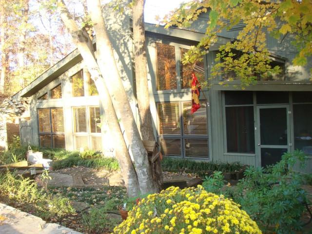 FALL COLORS - Mountain Lake Lodge - Pigeon Forge - rentals