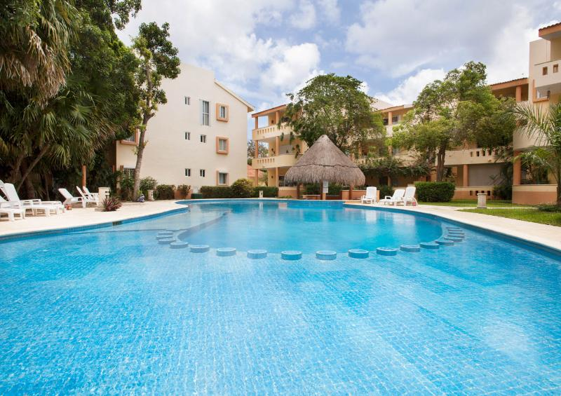 2 BR Condo with Golf Course View next to Reef Club - Image 1 - Playa del Carmen - rentals