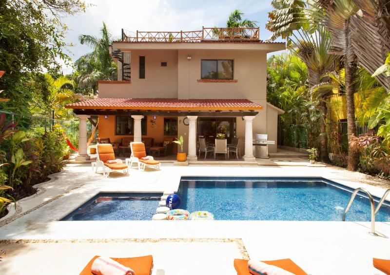 4 BR Villa with Private Pool minutes from Beach - Image 1 - Playa del Carmen - rentals