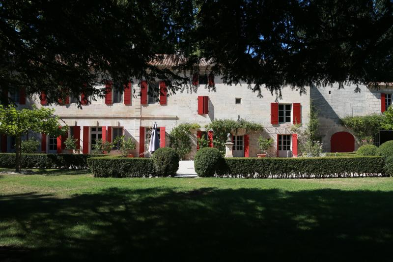 House between the regions of Gard and Provence - Image 1 - Beaucaire - rentals