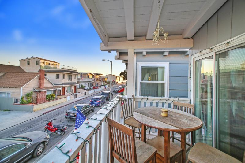 Balcony View - 125 B 39th Street - Upper 4 Bedroom 2 Bath - Newport Beach - rentals