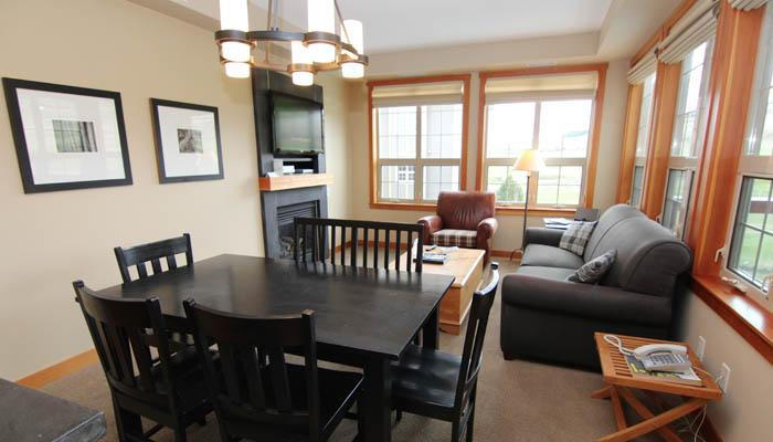 Spacious, light living area with lots of windows - Vernon Predator Ridge 2 Bedroom Luxurious Condo - Vernon - rentals