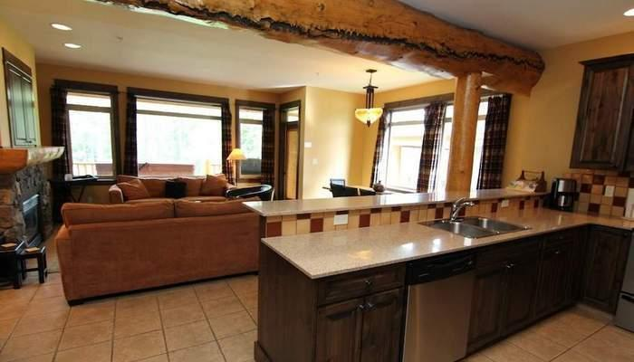 This gorgeous townhouse has beautiful log beams and huge windows - Kimberley Northstar Mountain Village 3 Bedroom Townhome - Kimberley - rentals