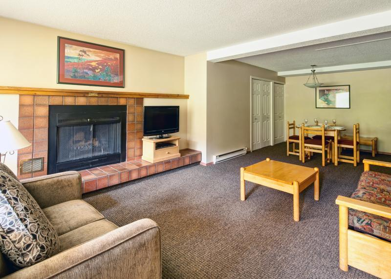 Excellent living area in this cozy condo - Panorama Lower Village Horsethief Lodge 1 Bedroom Condo - Panorama - rentals