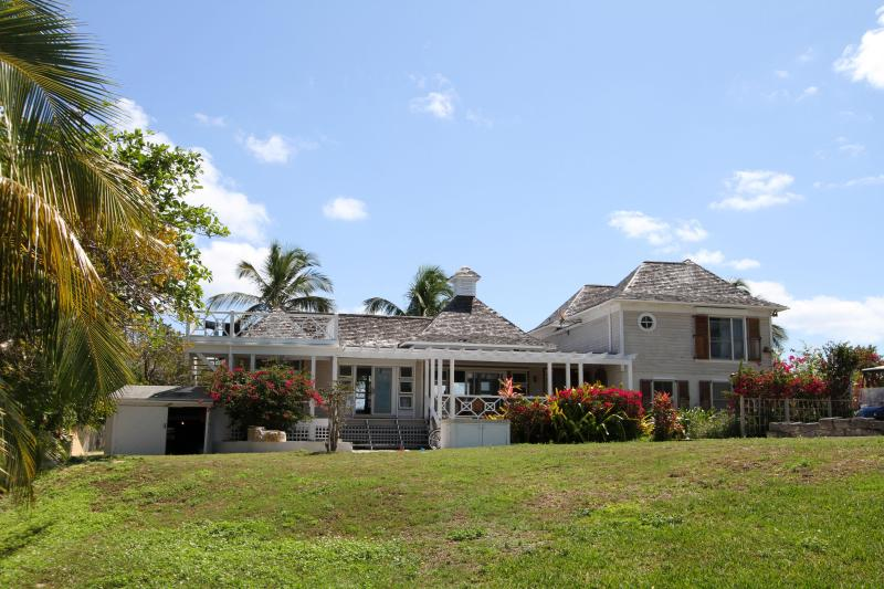 Exterior - Near the beach - Harbour Island - rentals