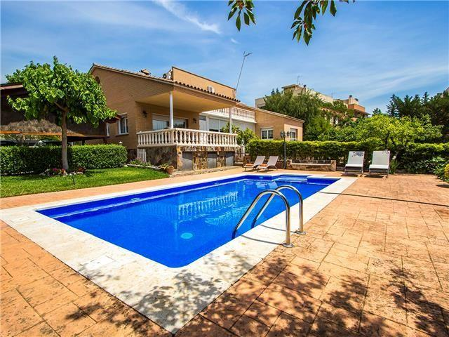 Idyllic villa in Castellarnau for 8-10 guests, a short drive/train ride from Barcelona! - Image 1 - Matadepera - rentals