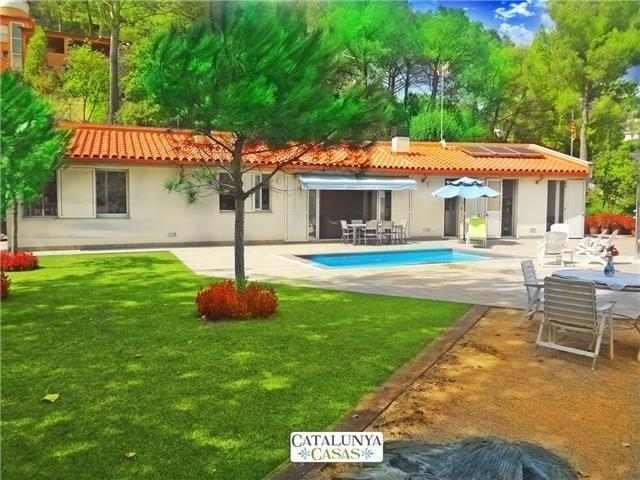 Fabulous and tranquil 4-bedroom countryside villa in Sant Feliu, 25km from Barcelona - Image 1 - Castellar del Valles - rentals