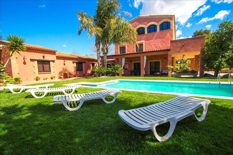 Alluring Villa Cabre Vinyols for up to 14 people in Costa Dorada! - Image 1 - Cambrils - rentals