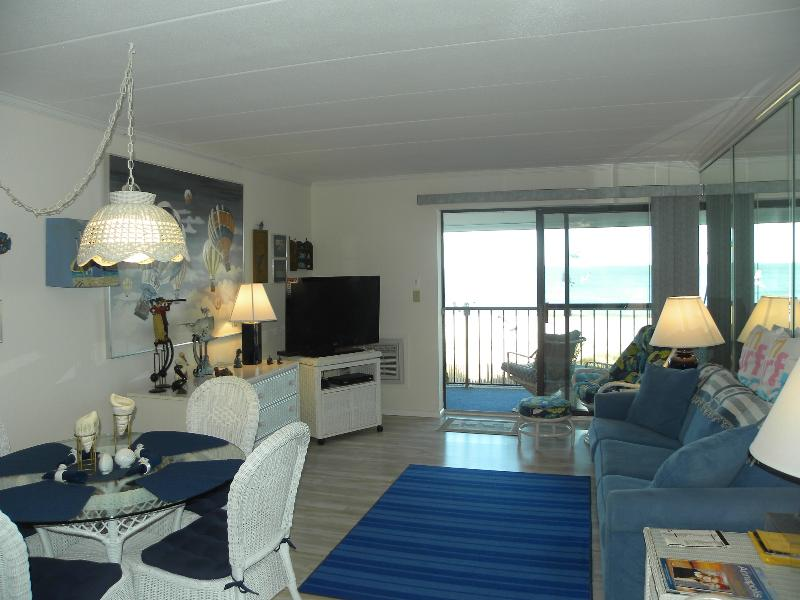 Direct ocean front Living Room with balcony - Beautiful Direct Ocean Front Condo - Ocean City - rentals