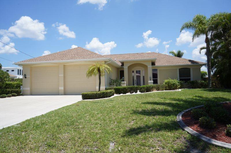 Villa Riposo - Cape Coral 3b/2ba Off Water Home, surrounded by Million Dollar Homes, Solar Heated Pool, Nicely Furnished, HSW Internet, - Image 1 - Cape Coral - rentals