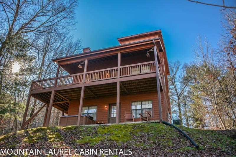 SUGAR MAPLE- 3BR/3BA, SLEEPS 8, SECLUDED, PET FRIENDLY, POOL TABLE, HOT TUB, WIFI, STARTING AT $99/NIGHT! - Image 1 - Blue Ridge - rentals