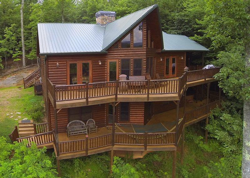 PEACEFUL VIEW LODGE- BREATHTAKING MTN VIEWS,4 BR/4.5 BA,HOT TUB, POOL TABLE, PING PONG, FOOSBALL, AIR HOCKEY, 6 FLAT SCREEN TV`S, GAS LOG FIREPLACES, WIFI, GAS GRILL, SLEEPS 13, STARTING AT $250/NIGHT! - Image 1 - Blue Ridge - rentals
