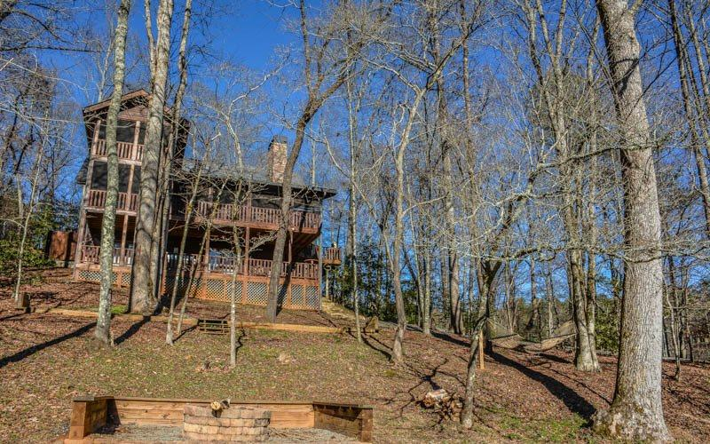 BEAR CREEK CROSSING- 4BR(PLUS LOFT)/4.5BA- SLEEPS 14, CREEK SIDE, SECLUDED, VOLLEYBALL COURT, HORSESHOE PIT, HOT TUB, OUTDOOR FIRE-PIT, WIFI, GAS AND WOOD BURNING FIREPLACES! STARTING AT $350 A NIGHT! - Image 1 - Blue Ridge - rentals