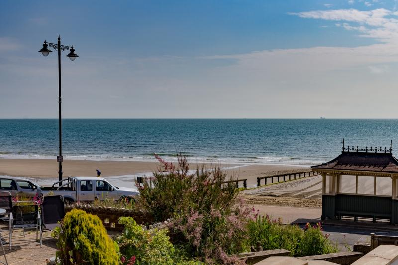 Flat 3, The Adelaide located in Shanklin, Isle Of Wight - Image 1 - Shanklin - rentals