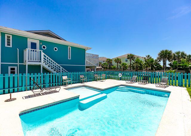 Private Pool - Coastal Cottage sleeps 14, Family Friendly w/ Private Pool, Palapa Bar - Port Aransas - rentals