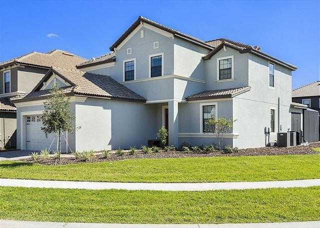 BRAND NEW HOME WITH LUXURY FURNITURE PACKAGE - Image 1 - Davenport - rentals