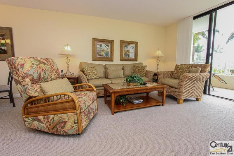 Living Area - SST4-105 - South Seas Tower - Marco Island - rentals