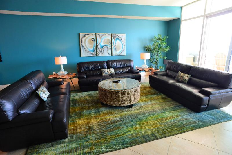3 leather sofas, custom artwork, high-end electronics, SONOS speakers, tons entertainment space! - Cat's Meow is WOW- Turquoise Place, Make You Purrr - Orange Beach - rentals