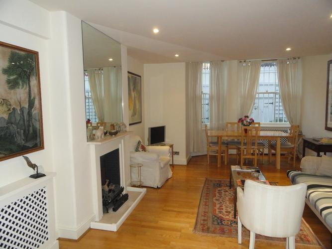 Classically-styled 2 bedroom in a beautiful period building- Kensington - Image 1 - London - rentals
