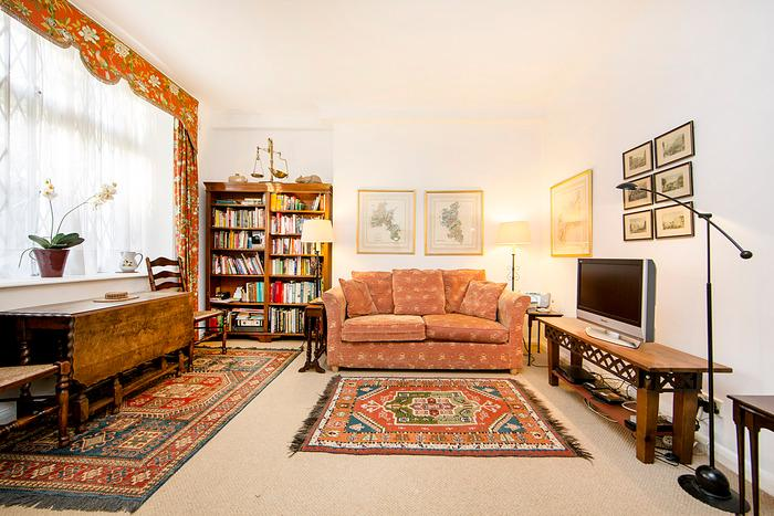 Inviting London Apartment Overlooking Lennox Garden - Image 1 - London - rentals