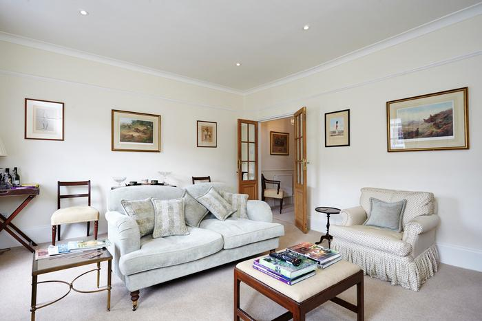 A traditional English home located on a quiet london street - Image 1 - London - rentals