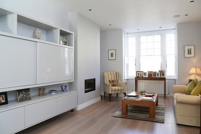 Luxuriant, bright and immaculately presented four bedroom family house in fabulous residential Fulham - Image 1 - London - rentals
