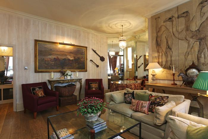 Super elegant 2 bedroom apartment with Patio Garden in Chelsea - Sleeps 4 - Image 1 - London - rentals