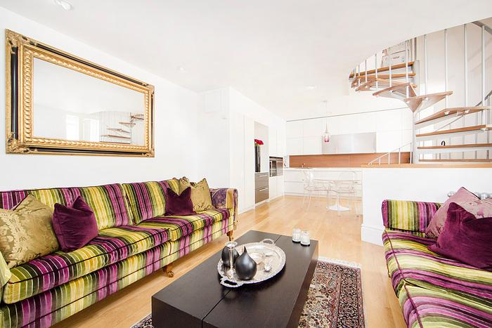 Ultra Modern 2 bed mews house minutes from Earls Court tube station. - Image 1 - London - rentals