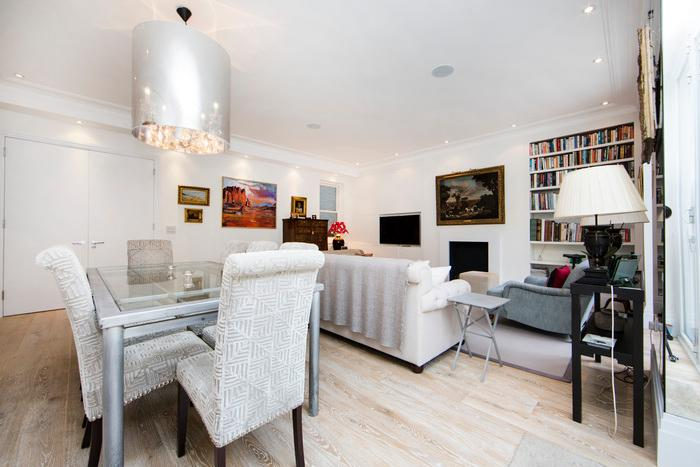 Beautiful and spacious 2 bed/2 bath property just moments from Earls Court - Image 1 - London - rentals
