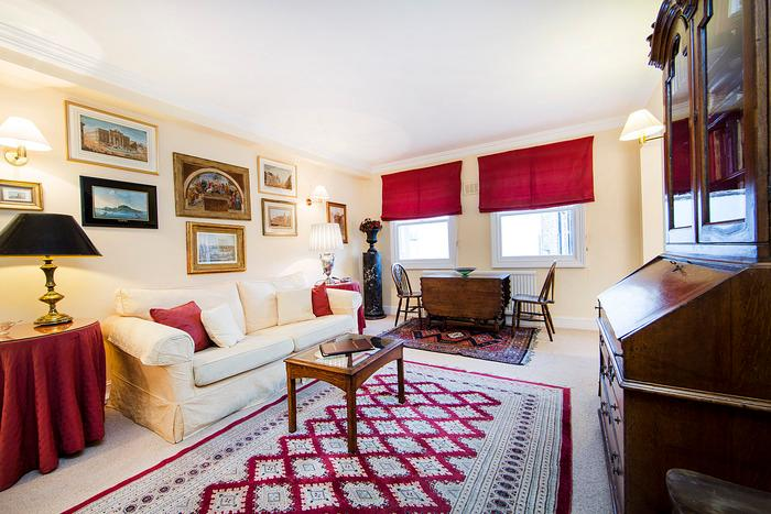 Quintessentially British 1 bedroom apartment perfectly situated very near Portobello market in the heart of famous Notting Hill - Image 1 - London - rentals