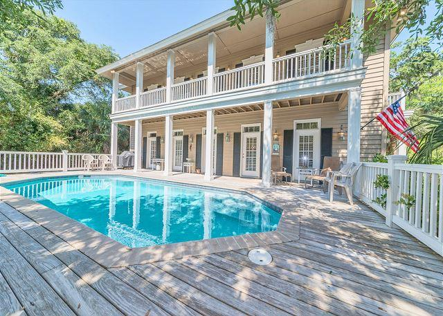 Welcome to Wanderer 4 - Wanderer 4, 6 Bedrooms, Private Pool, 3rd Row Ocean Home, Sleeps 16 - Hilton Head - rentals