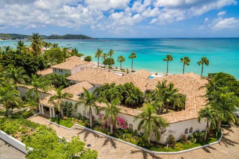 Petite Plage V... luxury 5+1BR Villa in Grand Case, St Martin  800 480 8555 - PETITE PLAGE V... Stunning New Ultra Deluxe Beachfront Estate on St Martin! - Grand Case - rentals