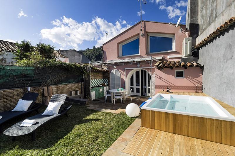 Casa Luce del Sole vacation holiday villa rental italy, sicily, acireale - Image 1 - Santa Tecla di Acireale - rentals