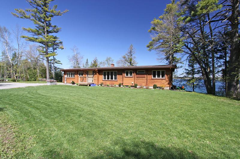 Christie Log Home cottage (#1057) - Image 1 - Lake Simcoe - rentals