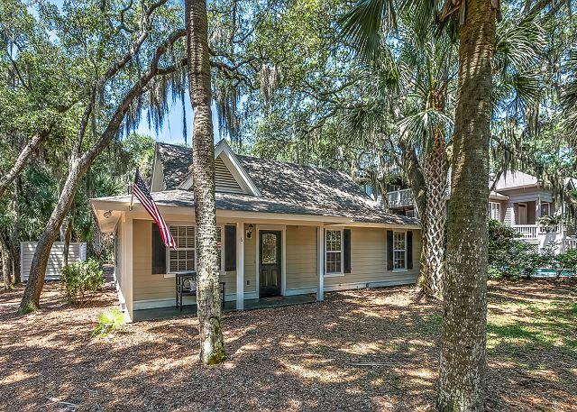 Exterior - 6 Lark - 3rd Row Ocean-3rd Row Ocean w/ Private Pool - Hilton Head - rentals