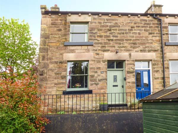 34 CHURCH STREET, end-terrace, woodburner, WiFi, enclosed garden, centre of Matlock, Ref 933358 - Image 1 - Matlock - rentals