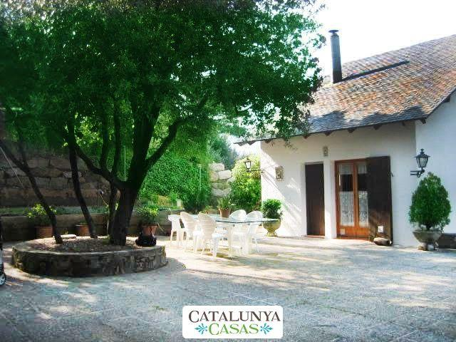 Villa Sallent for 5 people, only 35km from Barcelona and the beach - Image 1 - Castellar del Valles - rentals