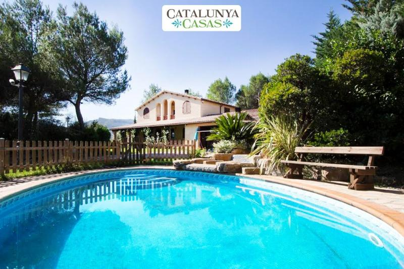 Five-bedroom villa in Vacarisses for 11 people just outside of Barcelona - Image 1 - Vacarisses - rentals
