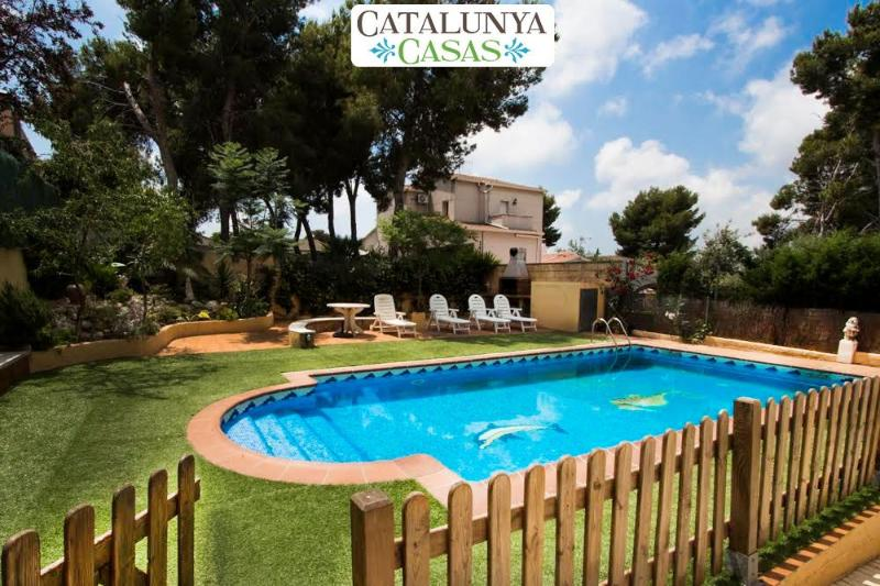 Villa Oasis with 4 bedrooms, close to the beach! - Image 1 - Costa Dorada - rentals