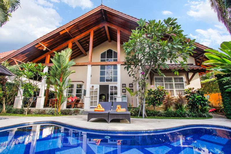 Villa Kawan 3 bedroom , families & couples - Image 1 - Sanur - rentals