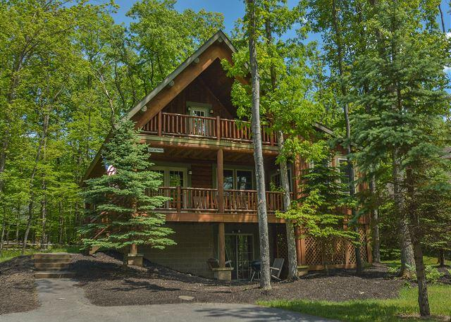 Exterior - Captivating 4 Bedroom Log home with private hot tub! - Oakland - rentals