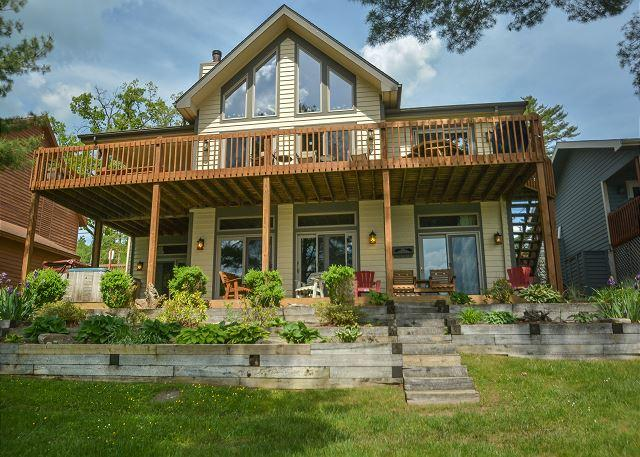 Exterior - Exquisite Lakefront Home explodes with amenities! - McHenry - rentals