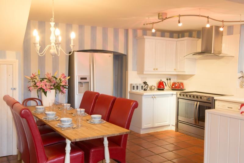 Sea Foam House located in Ilfracombe, Devon - Image 1 - Ilfracombe - rentals