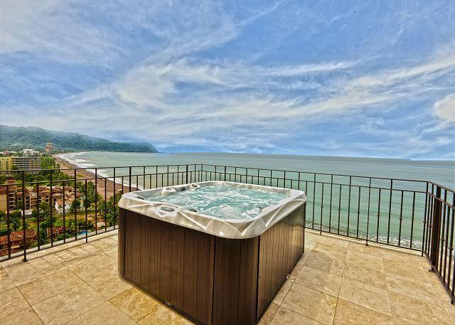 Million dollar view, enjoy the jacuzzi at the penthouse terrace overlooking Jaco Beach.  - Unique Oceanview Penthouse w/Jacuzzi. Available for the Holidays! - Jaco - rentals