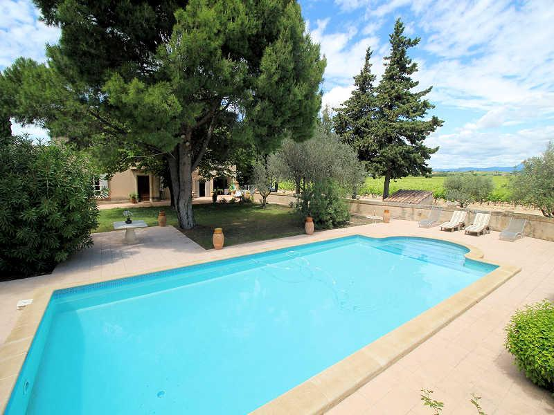 Violès Vaucluse, House 9p. middel of wine yards, private pool - Image 1 - Violes - rentals