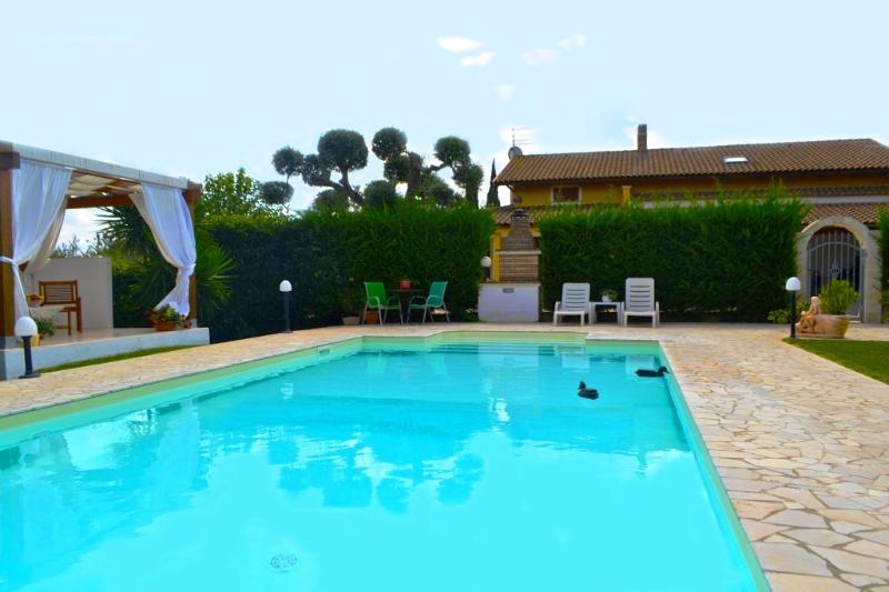 Villa with Private Pool and Garden - 3 Bedrooms - Image 1 - San Vito dei Normanni - rentals