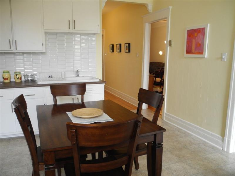 Very nice  51/2 - all equipped - Subway Iberville - Image 1 - Montreal - rentals