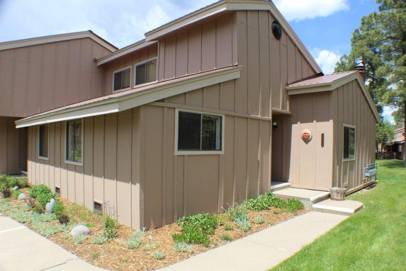 Pines 4043 is a conveniently located vacation condo in Pagosa Springs. - Image 1 - Pagosa Springs - rentals